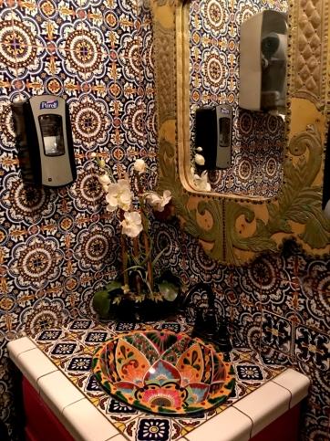 ydoncucosbathroom02